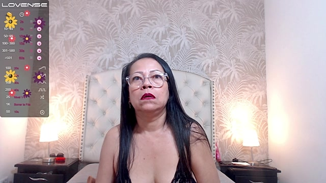 hot_mommy_